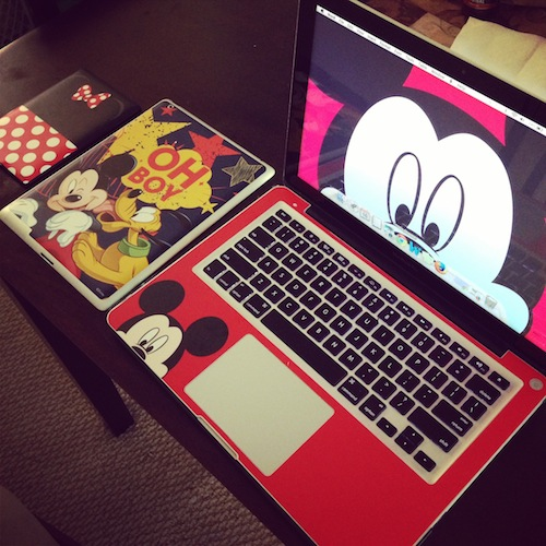 Dress up your gadgets with decalgirl disney skins for Dress your gadget
